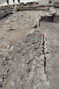 Fig. 4. Le mur tardif orienté est-ouest, au sud du secteur 1 (cliché: B. Goffaux).