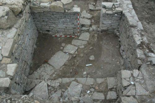 Fig. 3. Pièce sud-est de l'édifice à péristyle, vue depuis le sud-est. Secteur 1 (cliché L.Brassous/O.Rodríguez).