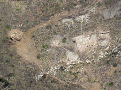 Fig. 1. Vue aérienne des trois secteurs de fouille sur le flanc est du Cabezo del Pino.