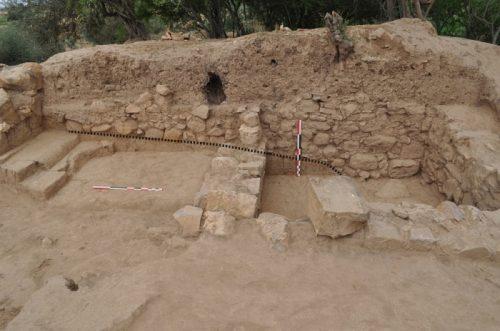 Fig. 4. Vue des fondations des murs romains MR5325-5324 reposant directement sur les murs maurétaniens (dont MR5361) et leur destruction.